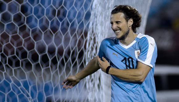 Diego Forlán es el actual técnico de Peñarol de Uruguay. (Foto: AFP)