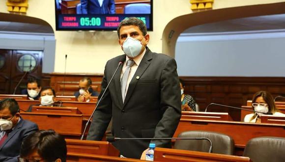 El congresista expresó sus disculpas y se sometió a las investigaciones correspondientes. (Foto: Difusión)