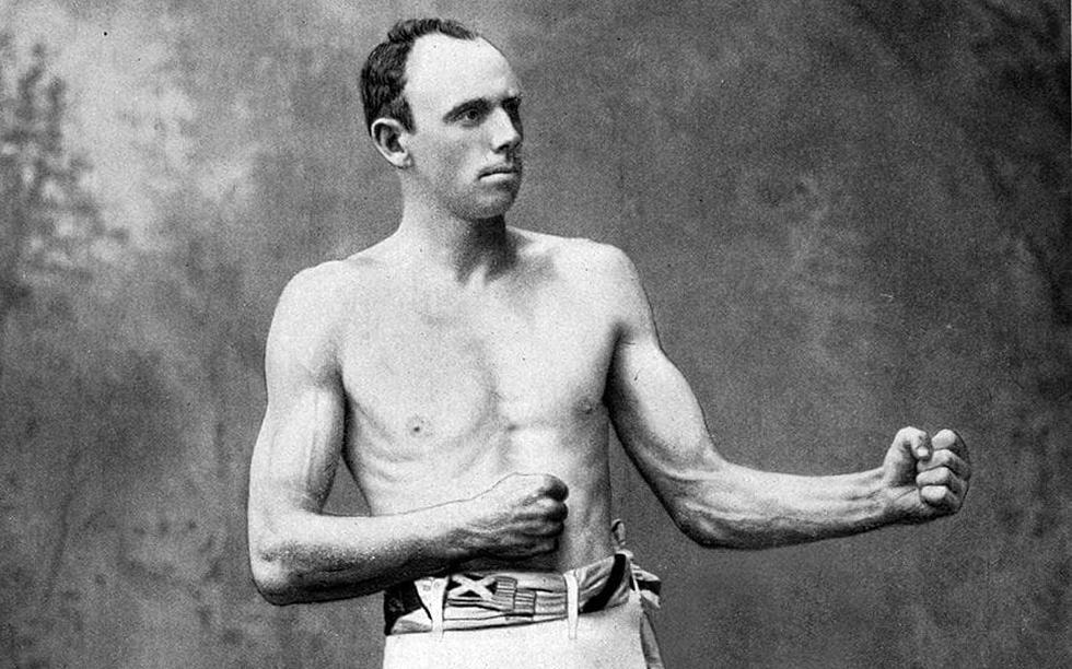 """Bob Fitzsimmons (50 años y 280 días): Fue el primer boxeador que se proclamó campeón del mundo en las tres divisiones, siendo todavía el campeón de peso pesado más ligero. Murió en 1917, pero dejó para siempre la frase: """"Cuanto más grandes sean, más daño se harán al caer""""."""