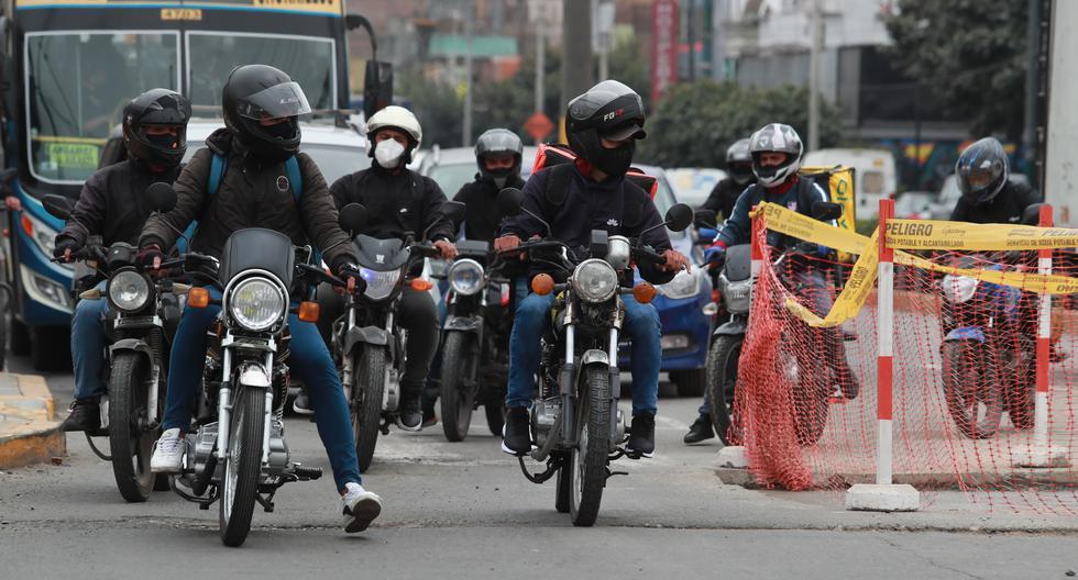 Estos choferes tienen licencia de moto emitida por alguna municipalidad provincial, como Callao, Chincha, Huarochirí, Oyón o Canta. El MTC no tiene un registro de ellas, pero aun así son válidas en todo el Perú (Foto: Lino Chipana)