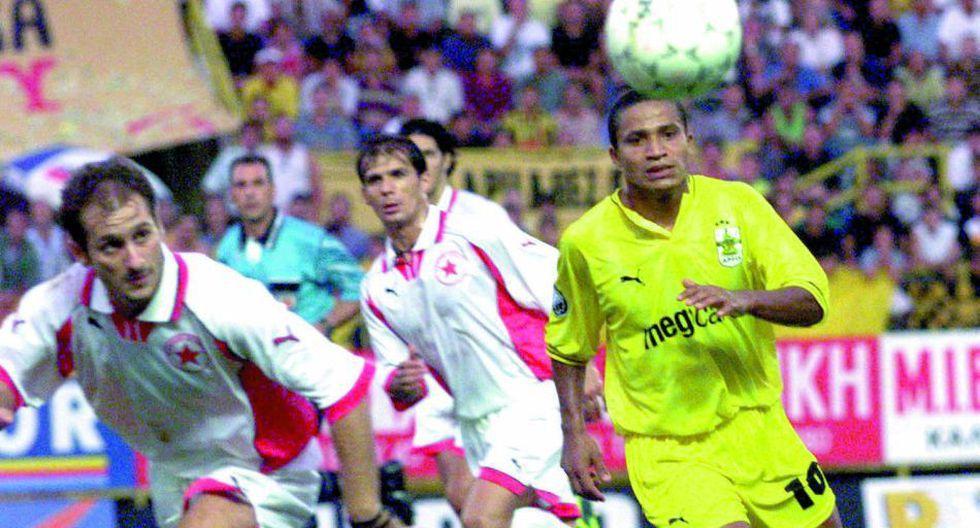 Carlos Flores, con la camiseta de Aris Salónica en Grecia, entre 1998 y 1999.