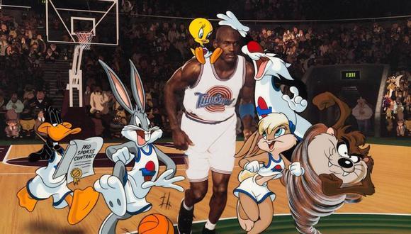 Michael Jordan y los personajes de Looney Tunes en la clásica Space Jam.
