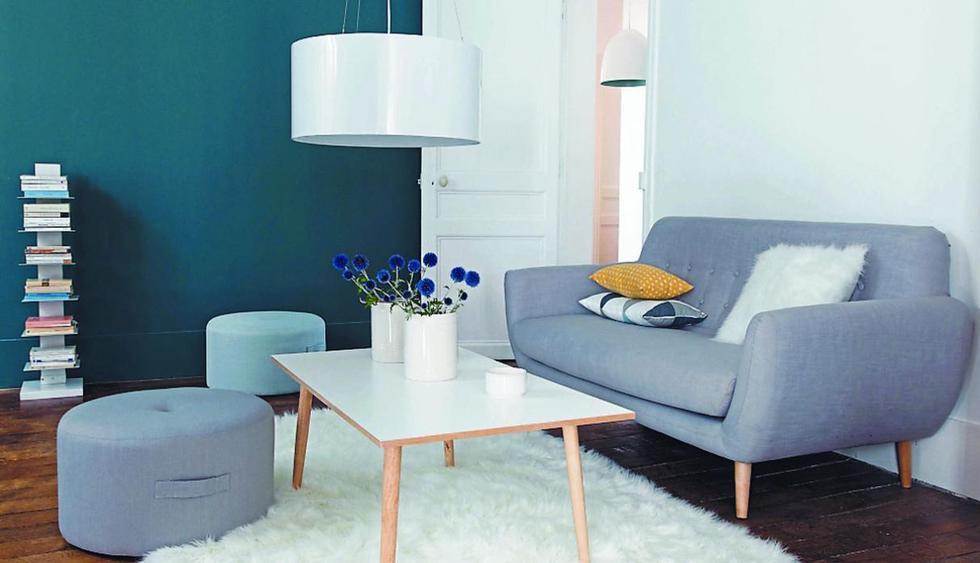 Para que el ambiente resulte más ligero, inclínate por pufs en lugar de butacas o sillas. Algunos tienen espacio de almacenaje en el interior, para guardar libros y accesorios. (Foto: Maisons du Monde)