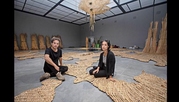 Rafael Freyre y Ana Teresa Barboza presentan una instalación que recrea el ciclo del agua en los humedales.