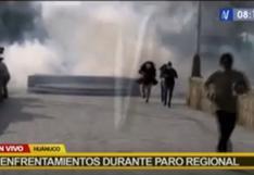 Policía dispersa con gases lacrimógenos a manifestantes que exigen renuncia del gobernador regional en Huánuco | VIDEO