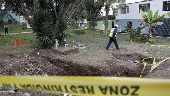Sedapal solo reconoce la existencia de un pozo piezométrico en el parque del Cercado de Lima donde ocurrió la muerte del menor. Sin embargo, la Municipalidad de Lima dice que estructura sí es de la empresa de saneamiento. (Hugo Pérez / GEC)