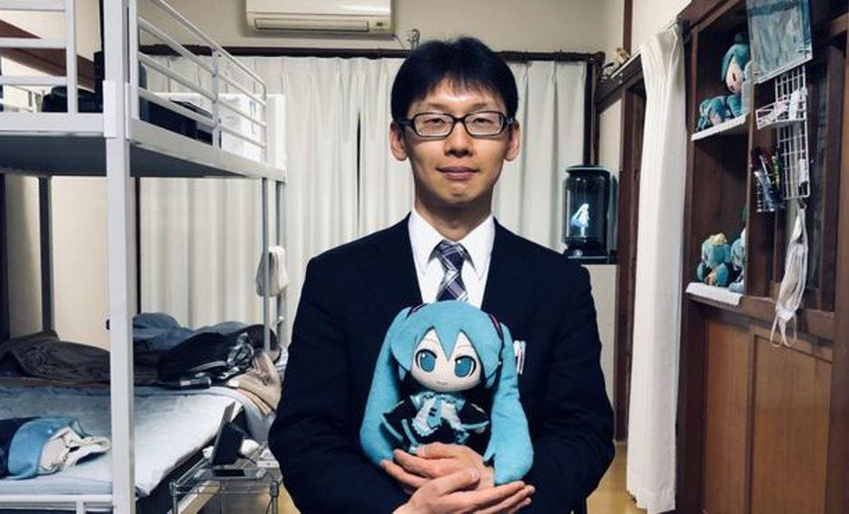 Akihiko Kondo se casó con Hatsune Miku, un holograma. Foto: FRANCISCO JIMÉNEZ DE LA FUENTE, vía BBC Mundo