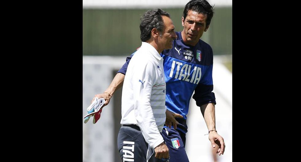 Buffon encarna una práctica tensa y alerta eliminación italiana - 3