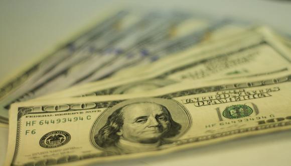 El dólar en un reducido mercado informal caía un 0,11% a 46,40 unidades. (Foto: GEC)