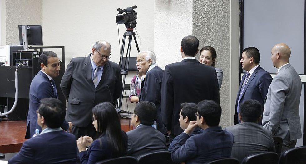 Ninguno de los investigados fue a la audiencia, pero llegaron minutos después a la Sala Penal Nacional para ponerse a derecho. (Alonso Chero / El Comercio)