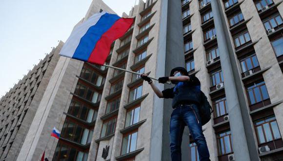 Ucrania: Prorrusos ocupan edificio administrativo de Donetsk