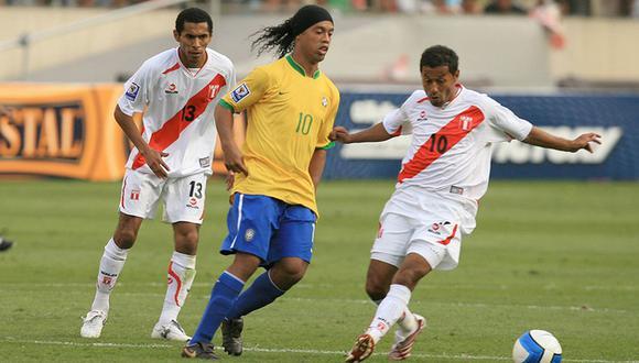 Ronaldinho y el 'Chorri' Palacios en 2007.