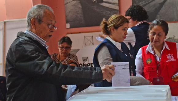 Villalobos advirtió que la fecha para renunciar a un partido y poder inscribirse en uno nuevo venció el 23 de diciembre del 2019. Es decir, si actualmente un ciudadano está inscrito en un partido y desea postular por uno nuevo, no podrá hacerlo. (Foto: Andina)