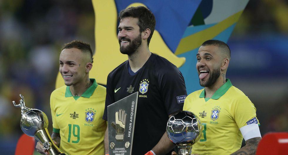 Alisson, la mano que ahoga los goles, levantó la Copa América con Brasil y puede ganar el Balón de Oro | Foto: AP