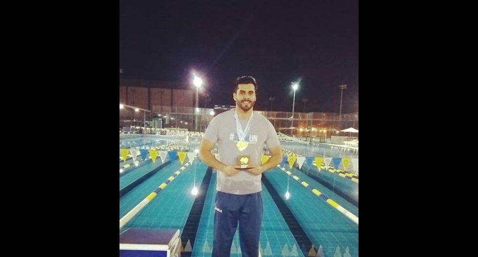 Niko Ustadvich es instructor de natación. (Foto: Instagram)
