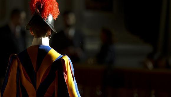 La Guardia Suiza Pontificia, responsable de la seguridad del Papa y del Vaticano, fue creada el 22 de enero de 1506 por el papa Julio II y hoy está considerado uno de los ejércitos más pequeños del mundo. (Foto: Andreas SOLARO / AFP).
