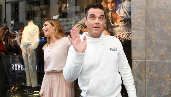 La pareja Robbie Williams y Ayda Field tiene más de 10 años de matrimonio. Actualmente crían a sus cuatro menores hijos. (AFP).