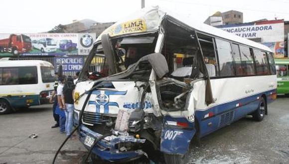Seis heridos dejó choque de 'Chosicano' contra auto y mototaxi