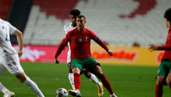 Pese a que lo intentó, Cristiano Ronaldo poco pudo hacer para cambiar el marcador a favor de Portugal, que cayó como local 1-0 ante Francia | Foto: fpf.pt