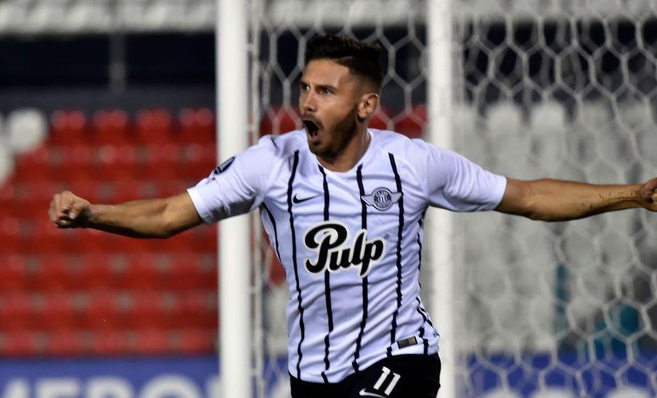 Con un gol solitario de Adrián Martínez, el Club Libertad  derrotó al Nacional de Asunción en condición de visitante por la fecha 8 del Torneo Apertura 2019 de Paraguay. (Foto: AFP)