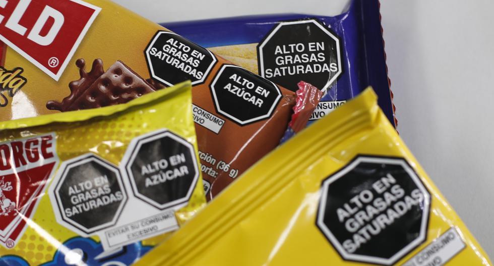 Los octógonos de advertencia permiten que el consumidor se informe sobre si los productos que consume tienen altos índices de azúcar, grasas saturadas o sodio . (Foto: GEC)