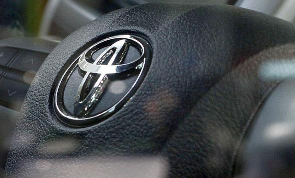 Toyota habilitó canales para que consumidores soliciten información para saber si sus vehículos son parte de la campaña preventiva de revisión. (Foto: Reuters)