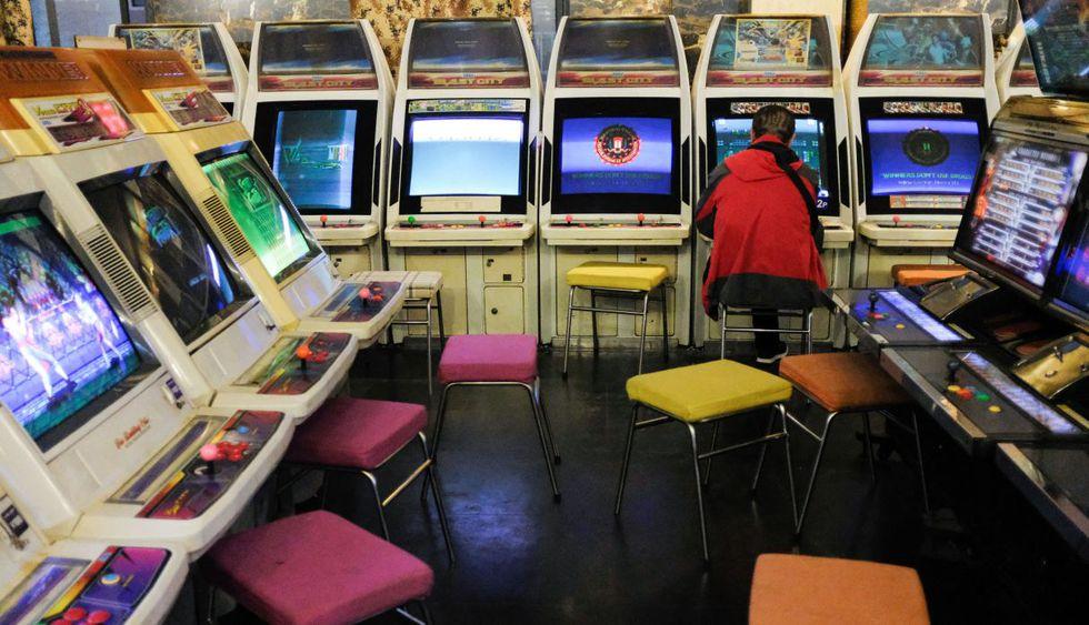 La popularidad de las salas de arcade ha decaído mucho desde los años 90 en Occidente, pero en países como Japón, China y Corea del Sur rodavía gozan de vigencia. (Foto: AFP)