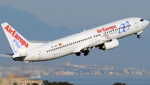 Intentó suicidarse abriendo la puerta de avión en pleno vuelo