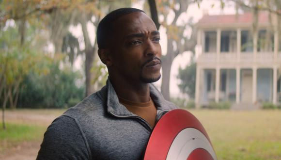 """En el nuevo episodio de """"Falcon y el Soldado del Invierno"""", se conoce por qué Sam Wilson (Anthony Mackie) no aceptó en un inicio el rol del Capitán América. Foto: Marvel Studios/ Disney+."""