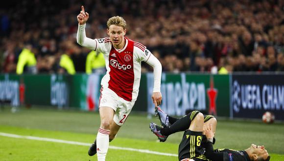 Frenkie de Jong, actualmente en el Ajax de Amsterdam, es el flamante jale del Barcelona para la siguiente temporada.  ¿Pero que tantas posibilidades tiene de triunfar en el cuadro azulgrana?. (Foto: AFP)