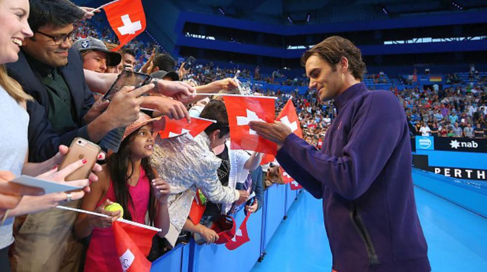 Roger Federer regresa y reunió a 6 mil personas en práctica  - 17