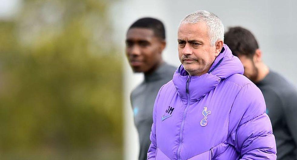José Mourinho organiza sesión de entrenamiento con un jugador del Tottenham. (Foto: AFP)