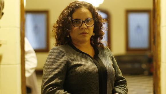 """""""No me gusta dejar las cosas a medias tintas, pero tengo que evaluar mi renuncia por mi tranquilidad y la de mi familia"""", dice la Fiscal Rocío Sánchez (Foto: GEC)"""