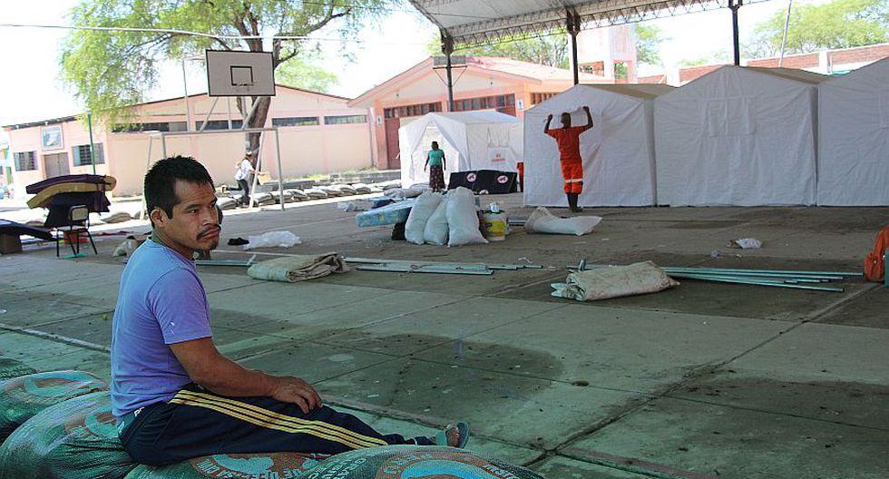 Piura: familias dejan refugios en colegios por inicio de clases - 4