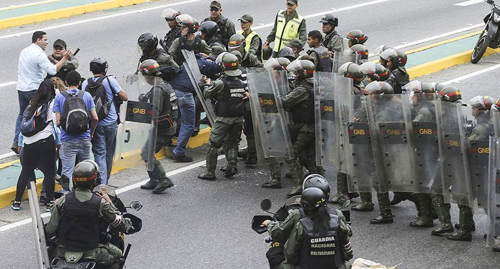 Venezuela: Estudiantes y periodistas se enfrentan a la policía - 10
