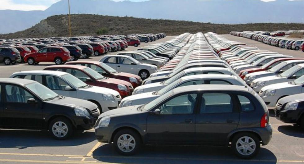 Antes de comprar un auto usado, debes tener al menos cierta información sobre el vehículo, de lo contrario podrías verte envuelto en problemas no solo económicos, por estafa, sino hasta judiciales.