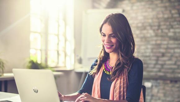 Las laptops HP con nueva generación, son ideales para aquellos que quieran un equipo liviano y con un excelente diseño pero a la vez con suficiente potencia para realizar sus tareas diarias.