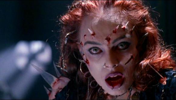 'El  regreso de los muertos vivientes 3' es un clásico del cine de terror. (Foto: Trimark Pictures)