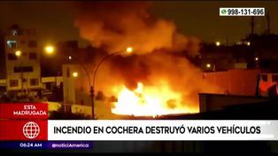 Callao: incendio en cochera deja ocho vehículos destruidos
