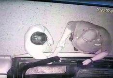 Piura: cámaras captan a un policía recibiendo presunta coima
