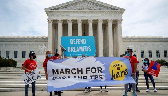 DACA: Corte Suprema de Estados Unidos bloquea intento de Donald Trump de poner fin al programa que protege a casi 700.000 jóvenes indocumentados | dreamers (EFE/EPA/SHAWN THEW).