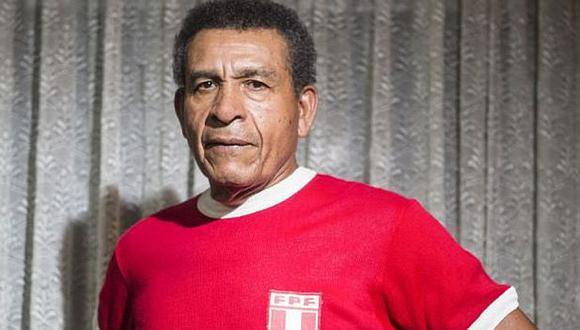 Héctor Chumpitaz y esposa fueron internados en una clínica, el reciente jueves. (Foto: AFP)