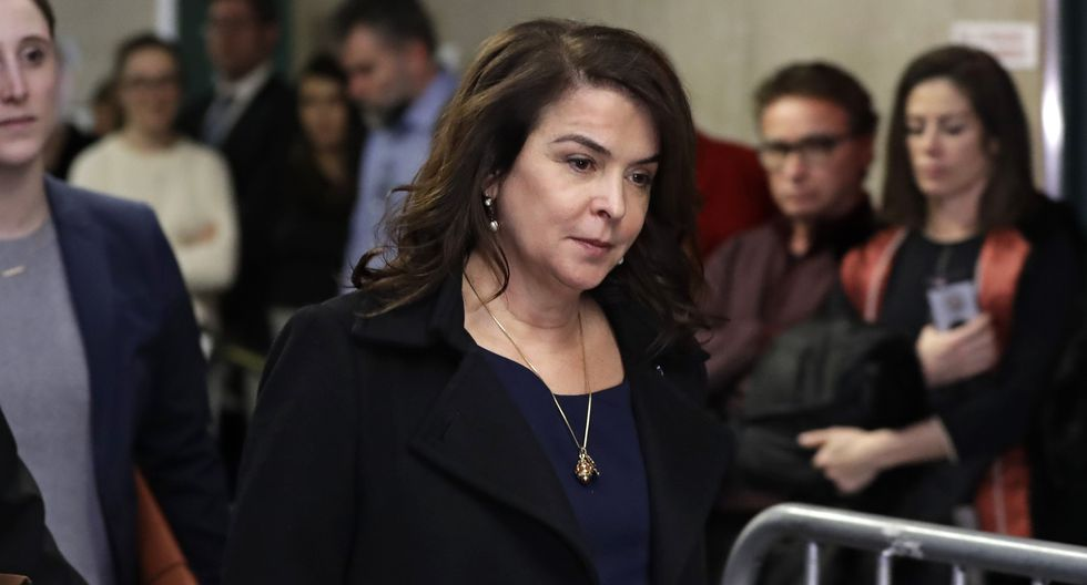 La actriz Annabella Sciorra denuncia su violación en el juicio de Weinstein. Foto: AFP