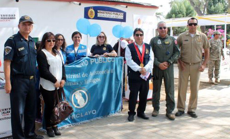A la fecha, se han capacitado 614 estudiantes de los colegios Juan Manuel Iturregui, Elías Aguirre y Diego Ferré. También se capacitó a unos 300 jóvenes de las Fuerzas Armadas (Foto: Andina)