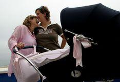 Chile abre la puerta a regular filiación de hijos de parejas del mismo sexo