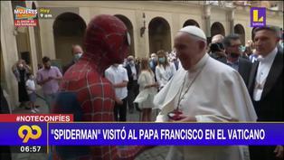 'Spiderman' visita al Papa Francisco en el Vaticano