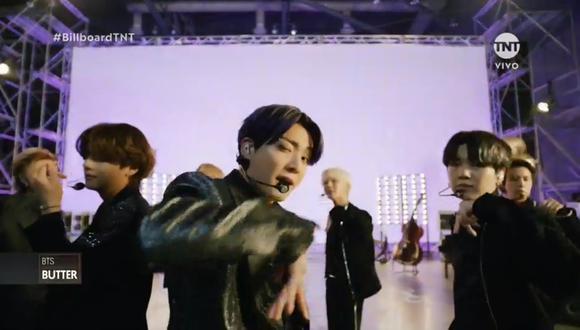La banda BTS se presentó de forma remota desde Corea en los Billboard Music Awards 2021. (Foto: TNT)