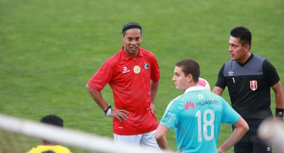 Ronaldinho: las postales del Cienciano contra Sporting Cristal - 9