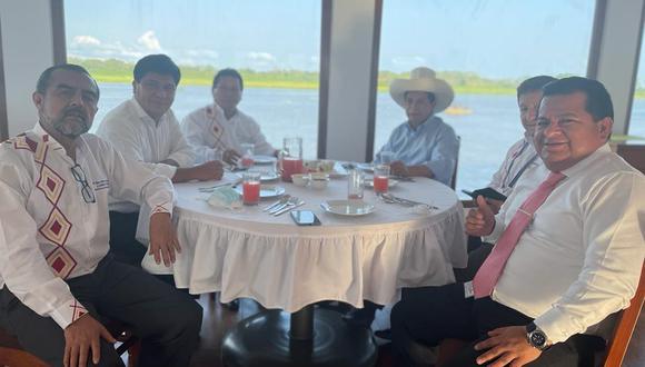 Guido Bellido junto al presidente Pedro Castillo y el ministro de Trabajo, Iber Maraví, en Iquitos. (Foto: @GuidoPuka)