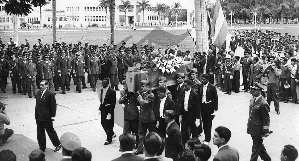 El día que los restos de Jorge Chávez llegaron al Perú  - 1